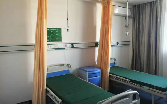 小型医院.jpg